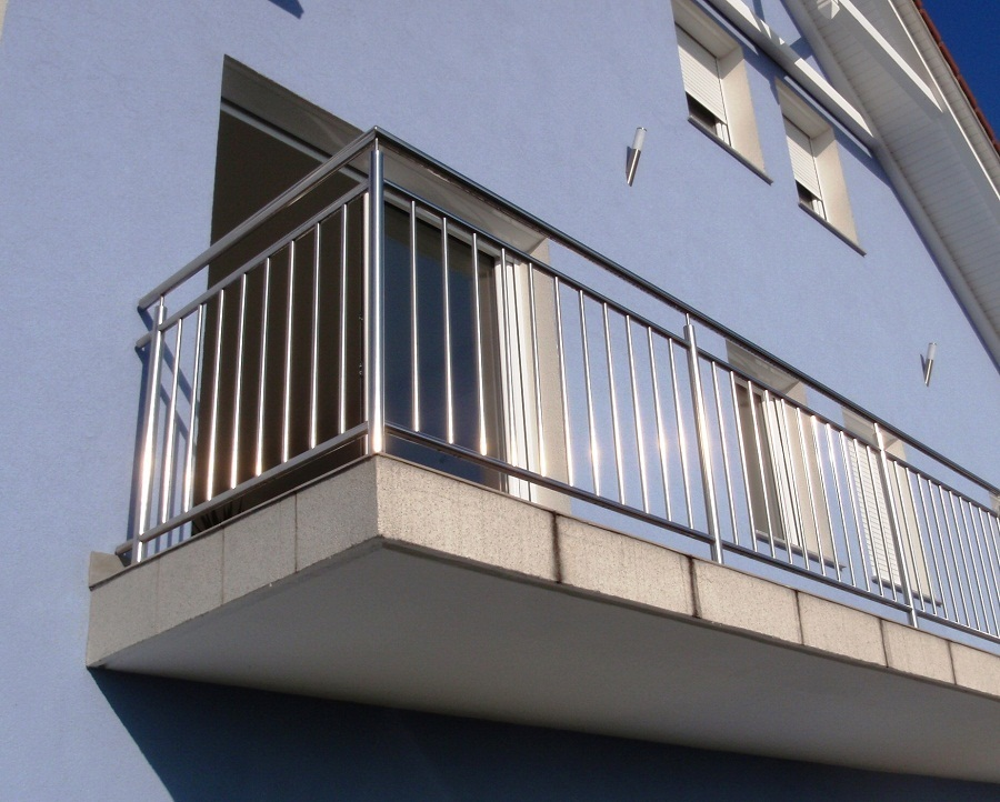 Stainless steel balcony railing goka metal products for Stainless steel balcony